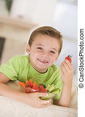 fiatal, mosolygós, fiú, étkezési