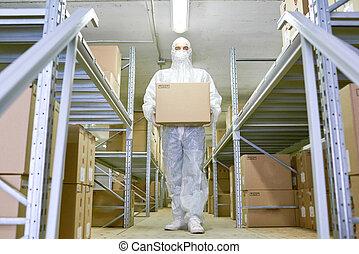 fiatal, munkás, szállítás, kartonpapír ökölvívás