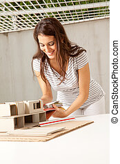 fiatal, női, építészmérnök