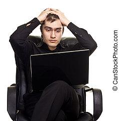 fiatalember, ül tanszék, noha, laptop., elszigetelt, white, háttér.