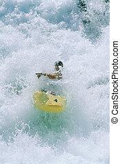 fiatalember, kayaking, alatt, zúgó