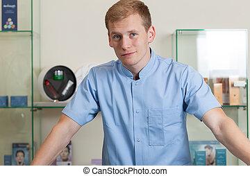 fiatalember, munka at, ásványvízforrás, fogadószoba