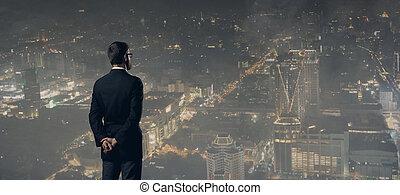 ficar, cidade, sobre, experiência., noturna, homem negócios