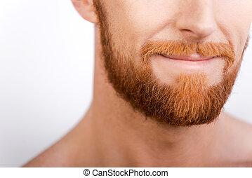 ficar, close-up, seu, barbudo, contra, style., enquanto, fundo, branca, barba, homem sorridente