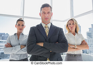 ficar, grupo, pessoas negócio, junto, confiante