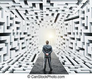 ficar, homem negócios, labirinto, cercado