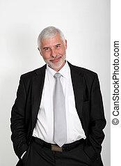 ficar, homem negócios, sênior, fundo branco