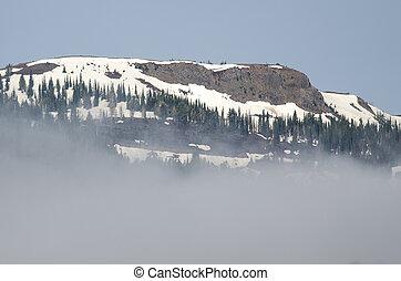 ficar, montanha, nuvens, picos, nevado, acima