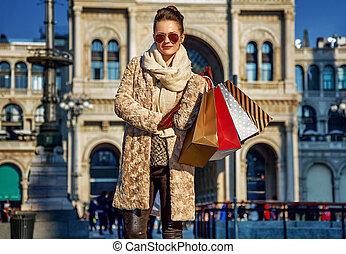 ficar, mulher, itália, piazza, duomo, milão, del, turista