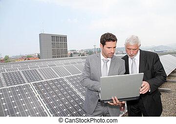 ficar, painéis, solar, pessoas negócio