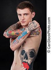 ficar, tatuagem, coloridos, pelado, jovem, coberto, sujeito, homem, tattoo., bonito