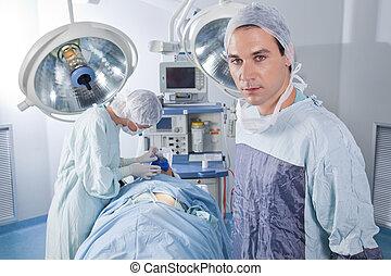 fiducioso, mentre, maschio, chirurgia, dottore