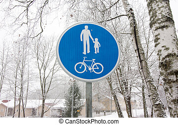 fiets, en, voetganger, laan, wegaanduiding, op, pool, post.