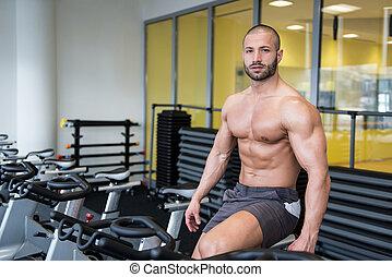fiets, jonge man, bodybuilding, trainer, cycling