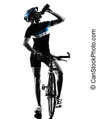fietser, vrouw fietsen, vrijstaand, fiets, drinkt, silhouette