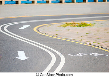 fietspad, in het park, met, de, richting, van, beweging, aantekening