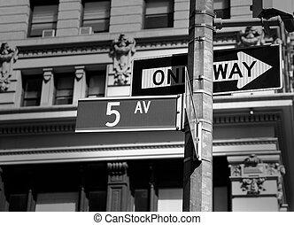 Fift avenue sign 5 th Av New York Mahnattan USA black &...