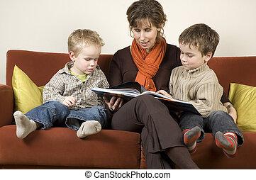 figli, due, 3, libro, madre, lettura