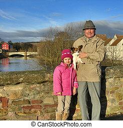 figlia grande, &, granddad, con, cane