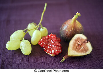 figs pomgranate and grapes
