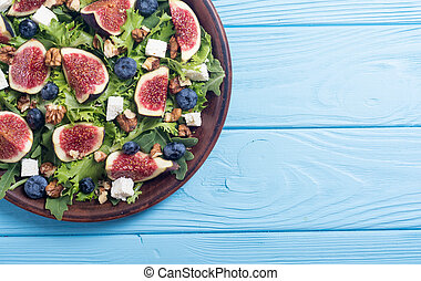 Figs salad with cheese