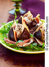 Figs with prosciutto, cheese and balsamic vinegar - salad ...