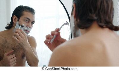 figure, beau, facial, rasoir, mouvement, lent, homme, rasage...
