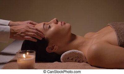 figure, femme, avoir, tête, spa, masage