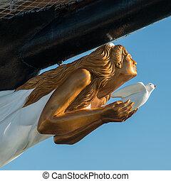 figurehead of a vintage sailing ship