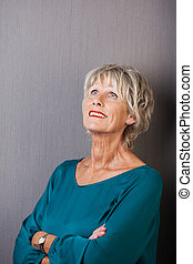 figyelmes, nő, idősebb ember