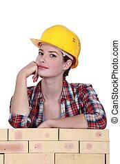 figyelmes, szerkesztés munkás, női