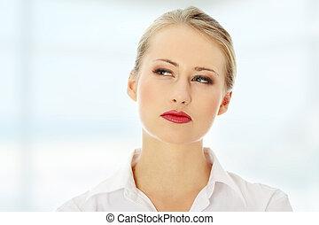 figyelmes, woman ügy