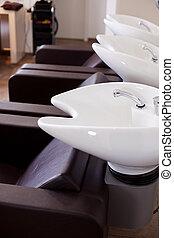 fila, de, washbasins, em, um, salão cabelo