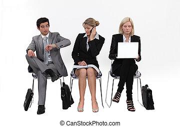 fila, personas empresa, sentado