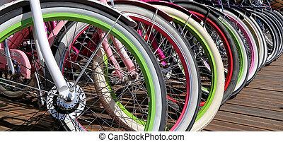 fila, variopinto, ruote bicicletta, closeup