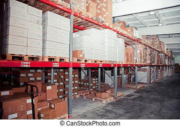 filas, de, estantes, con, cajas, en, fábrica, almacén