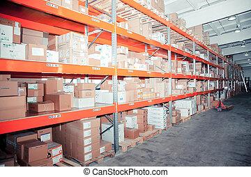 filas, de, estantes, con, cajas, y, otro, bienes, en, moderno, almacén