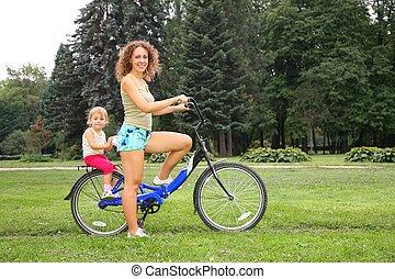 filha, bicicleta, mãe