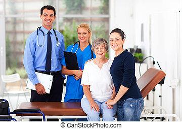 filha, dela, doutor, hospitalar, idoso, alegre, paciente, enfermeira
