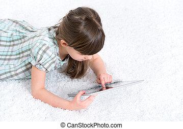 filho jogando, com, tablete digital