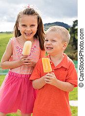 filhos comendo, popsicles