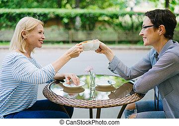 filiżanki kawy, clinking, cieszący się, dzień, otwarty, ...