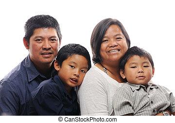 filipino, famiglia