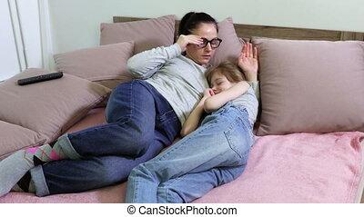 fille, après, haut, lit, dormir, sillage, mère
