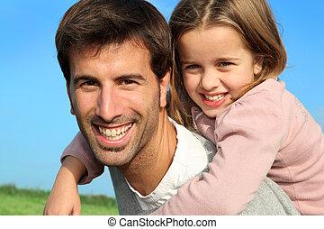 fille, donner, cavalcade, père, ferroutage, portrait