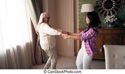 fille, elle, danse, intérieur, années, blonds, mère