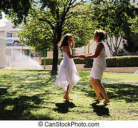 fille, elle, positif, mère, sentiments, park., joy., humain, émotions, amusement, avoir