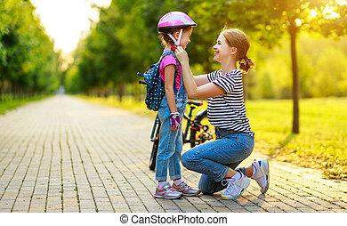 fille, famille, cavalcade, enfant, parc, vélo, mère, enseigne, heureux