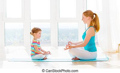 fille, famille, mère, engagé, enfant, maison, méditation, yoga