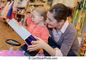 fille, jouets, achats, mère